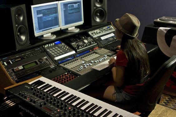 Piano Technology Studio